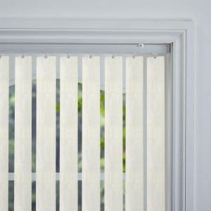 amari-blackout-cream-rigid-pvc-89mm vertical blind-closeup